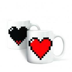 Šálka pixelové srdciečko