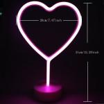 Neonové ružové srdce
