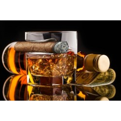 Pohár na whisky a cigáru