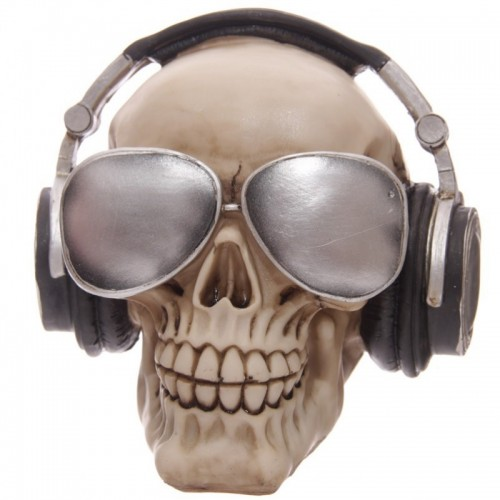 Pokladnička lebka so slúchadlami a okuliarmi