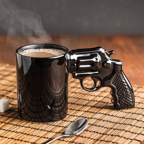 Hrnček revolver - pištoľ