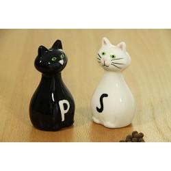 Soľnička a korenička Mačky